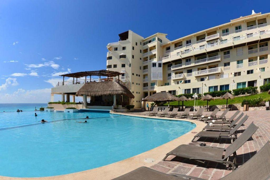 hotel-bseas-plaza-01